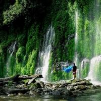 Asik-Asik Falls: Dwarfed by Nature